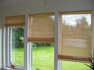 puitvoldikud aknaraamil